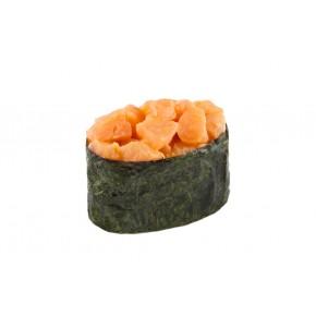 Гункан з лососем